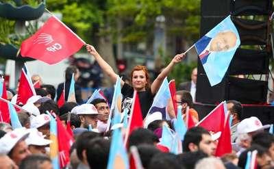 Kılıçdaroğlu, Muğla'da yağmur altında konuştu: Nasıl devlet yönetilirmiş öğreteceğim onlara- Ek fotoğraflar