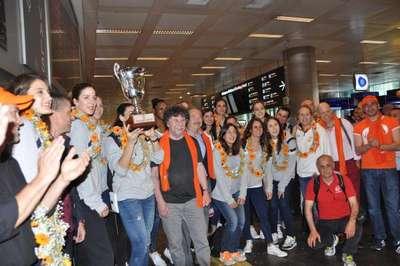 Dünya şampiyonu Eczacıbaşı İstanbul'da