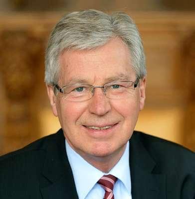 Bremen eyalet başbakanı istifa etti
