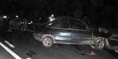 İki otomobil çarpıştı: 1 ölü, 1 yaralı