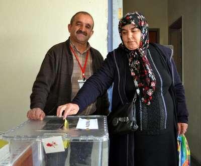 Kayseri Erkilet Havalimanı'nda oylarını kullandılar