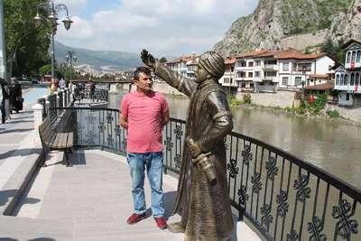 Turizmciler şehzade heykeline saldırıları kınadı