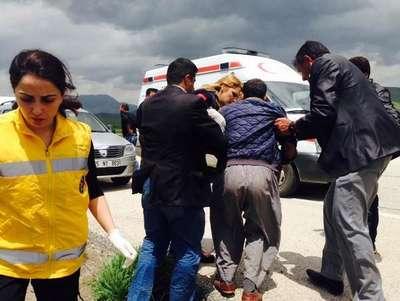 Tarım işçilerininin minibüsü şarampole yuvarlandı: 11 yaralı