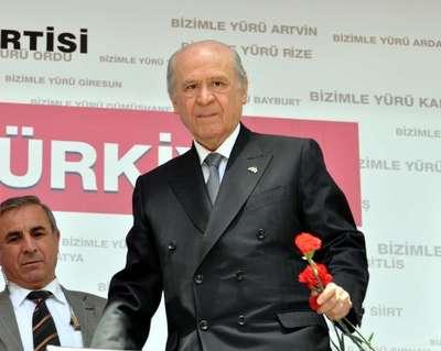 Bahçeli: Davutoğlu Eşme'ye giderken PKK'yla temas kuruldu mu?