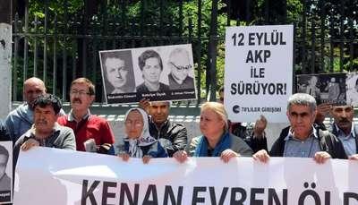 Galatasaray'da 'Kenan Evren' protestoları