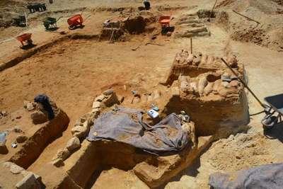 Sinop'ta 2 bin 500 yıllık antik mezarlık gün yüzüne çıktı