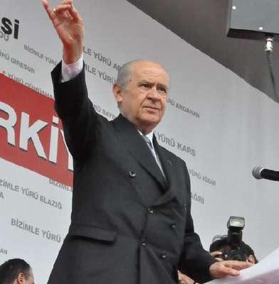 Bahçeli: Davutoğlu Eşme'ye giderken PKK'yla temas kuruldu mu? (2)