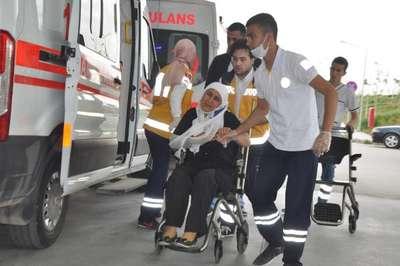 Karaman'da işçi servisi devrildi: 22 yaralı