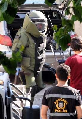Beyoğlu'nda şüpheli bir araçta uzun namlulu silah ile pompalı tüfek bulundu