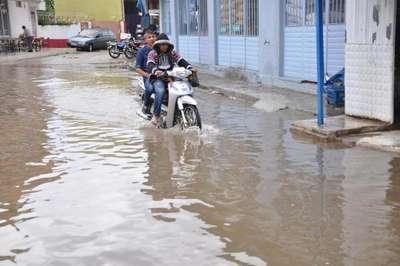 İncirliova'da sağanak yağmur etkili oldu