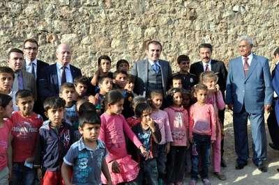 Ak Partili Ünal: Demirtaş'a cici çocuk muamelesi yapıyorlar