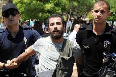 Üniversitede Soma protestosunda 10 gözaltı