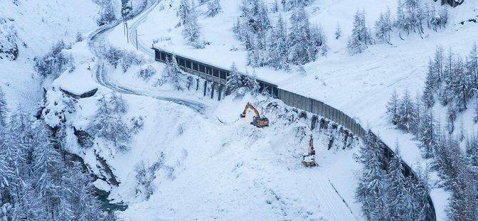 Davos'ta 30 konut tahliye edildi