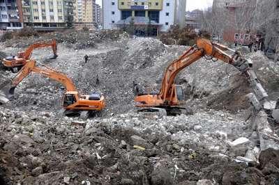 Başbakan Davutoğlu için 3 günde miting alanı oluşturuldu
