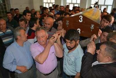 Karabük'te trafo patlamasında ölen işçi toprağa verildi