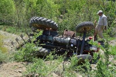 Traktör devrildi; anneanne öldü, sürücü torun yaralandı