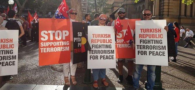 Avustralyalı Türklerden Mehmetçik'e destek