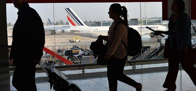 Paris uçağı acil iniş yaptı