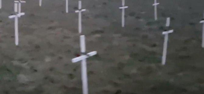 PEGİDA, cami arazisine 23 haç dikti
