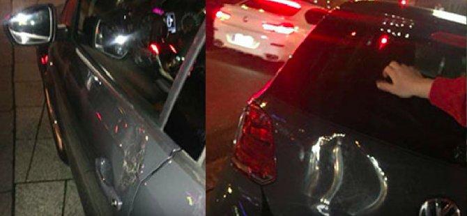 Araçta Türk bayrağı var diye saldırdılar