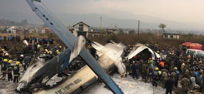 Bir yolcu uçağı daha düştü