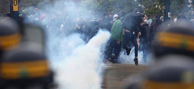 Fransa'da polis ile göstericiler çatıştı