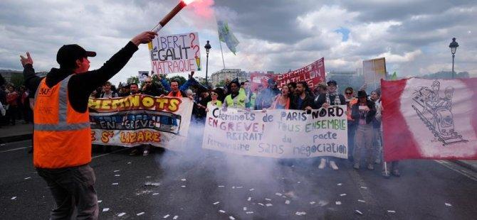 Paris'te olaylı 1 Mayıs: 200 gözaltı