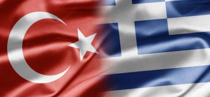 Türk diplomatların araçları kundaklandı