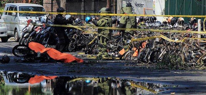 3 kiliseye bombalı saldırı: 9 ölü, 40 yaralı