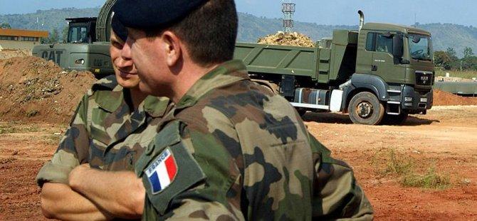 Fransız askerlerine bombalı saldırı: 2 ölü