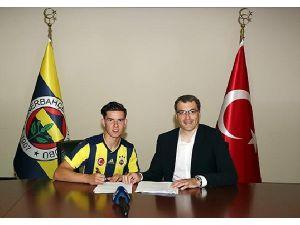 Gurbetçi futbolcu Fenerbahçe'de