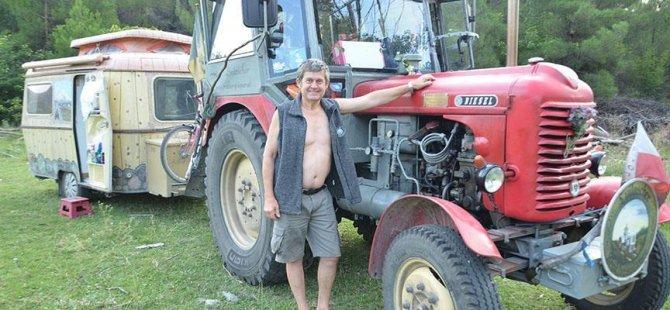 Traktörle Kastamonu'ya gitti
