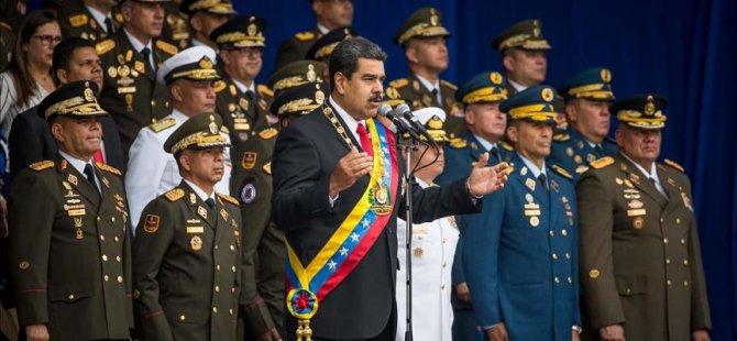 Maduro, ABD'ye karşı imza toplayacak