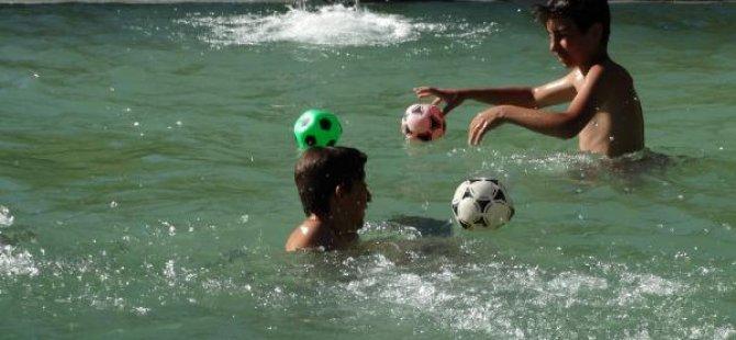 Gurbetçiler memleketlerine havuz yaptırdı