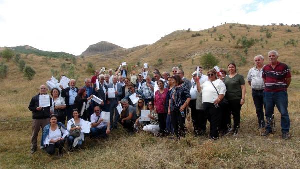 Darbede boşaltılan köylerini yeniden kuruyorlar