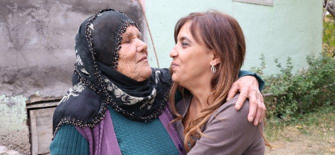 Gurbetçi kadın 51 yıl sonra annesine kavuştu