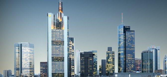Milyarlarca avro Frankfurt'a akacak