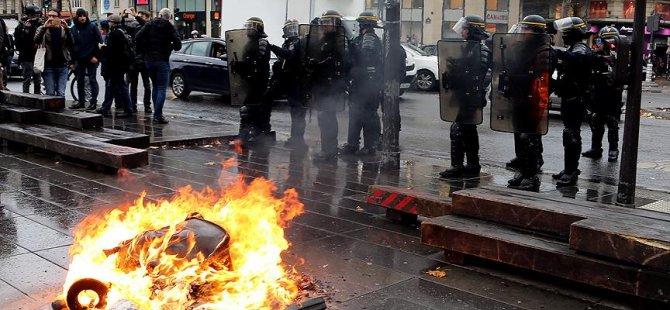 Öğrencilerden Fransız polisi hakkında suç duyurusu