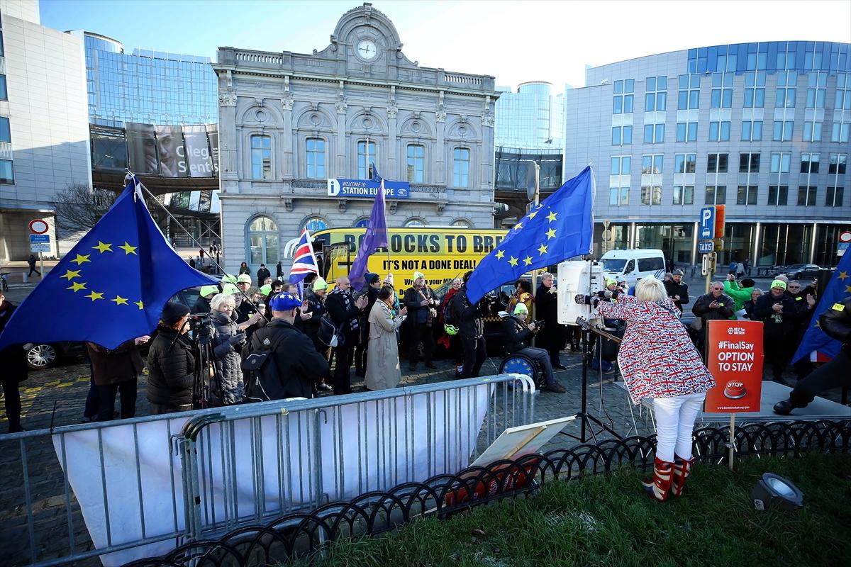 AB Liderler Zirvesi öncesi protesto