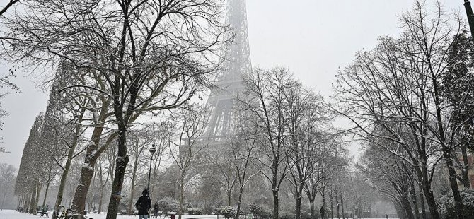 Eyfel Kulesi ziyaretçilere kapatıldı