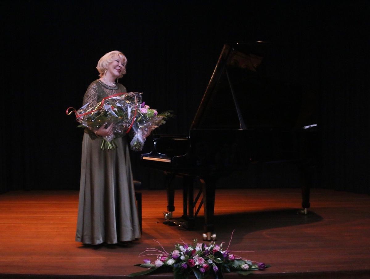 Gülsin Onay'dan Köln'de müzik ziyafeti