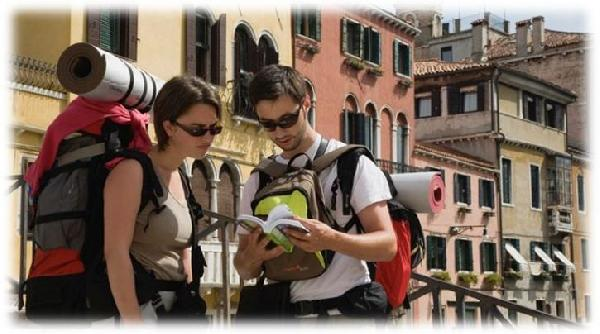 Sırt çantalı turistler daha fazla para harcıyor