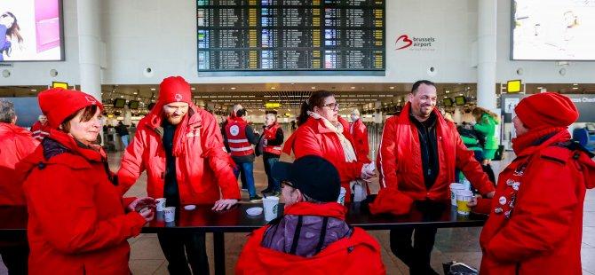 Belçika'da 10 saat uçuşlar durduruldu
