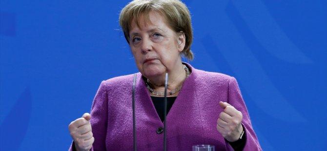 Merkel'in 2. korona testi de negatif