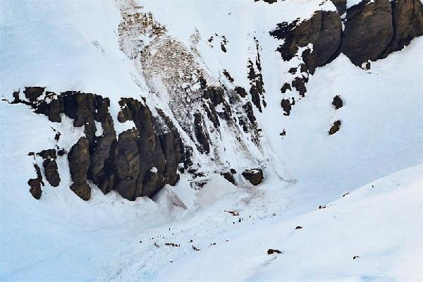 Himalayalar'a PKK/YPG bayrağı dikmek isteyen dağcı öldü