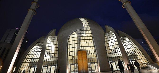 Almanya'da 2800 cami var