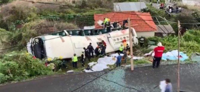 Tur otobüsü devrildi: 29 Alman turist öldü