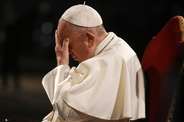 Papa: Kilise içten ve dıştan saldırı altında