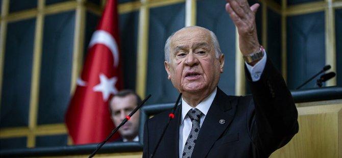 Bahçeli: Abdullah Gül AKP'ye vefasızlık yapıyor