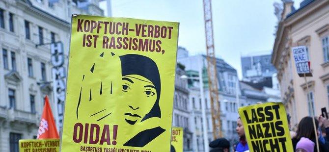 Avusturya'da ilkokullarda başörtüsü yasağı